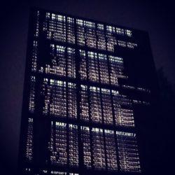 Mahnmal Levetzowstraße in Nacht