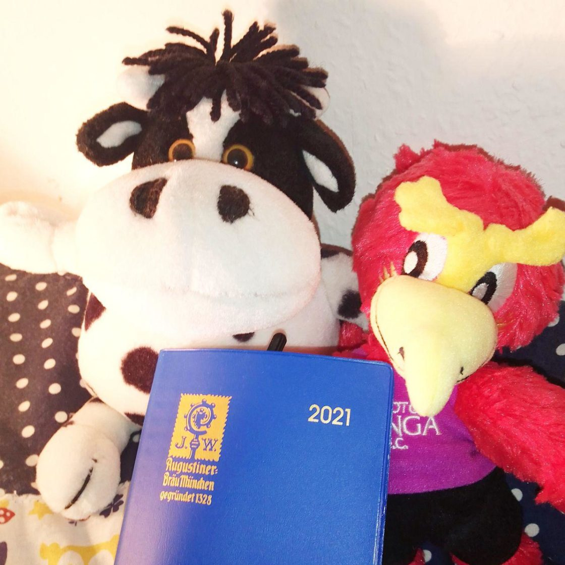 Mo Chan (Cow fluffy toy), Pasa kun (Phoenix) and 2021 Calendar of Augstiner Bräu